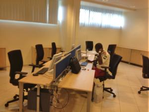 Salle internet. Wifi disponible sur l'ensemble de l'école